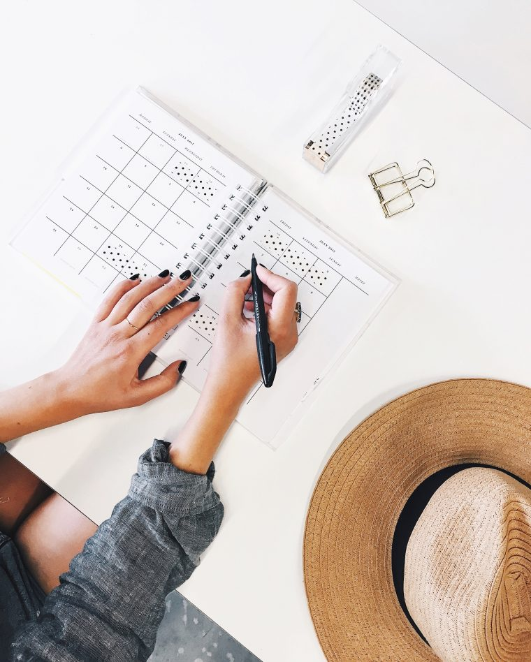 How To Stay Organized In A Busy Environment